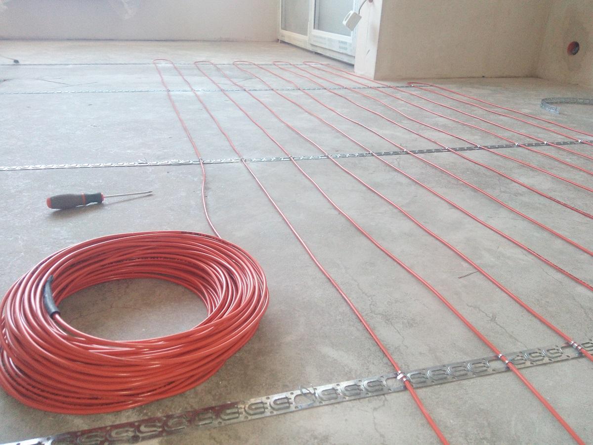 Монтаж теплої підлоги під плитку